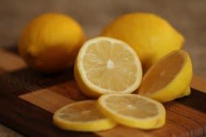 Zumo de limón.