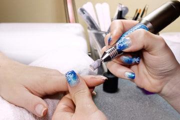 Colocación de uñas de gel